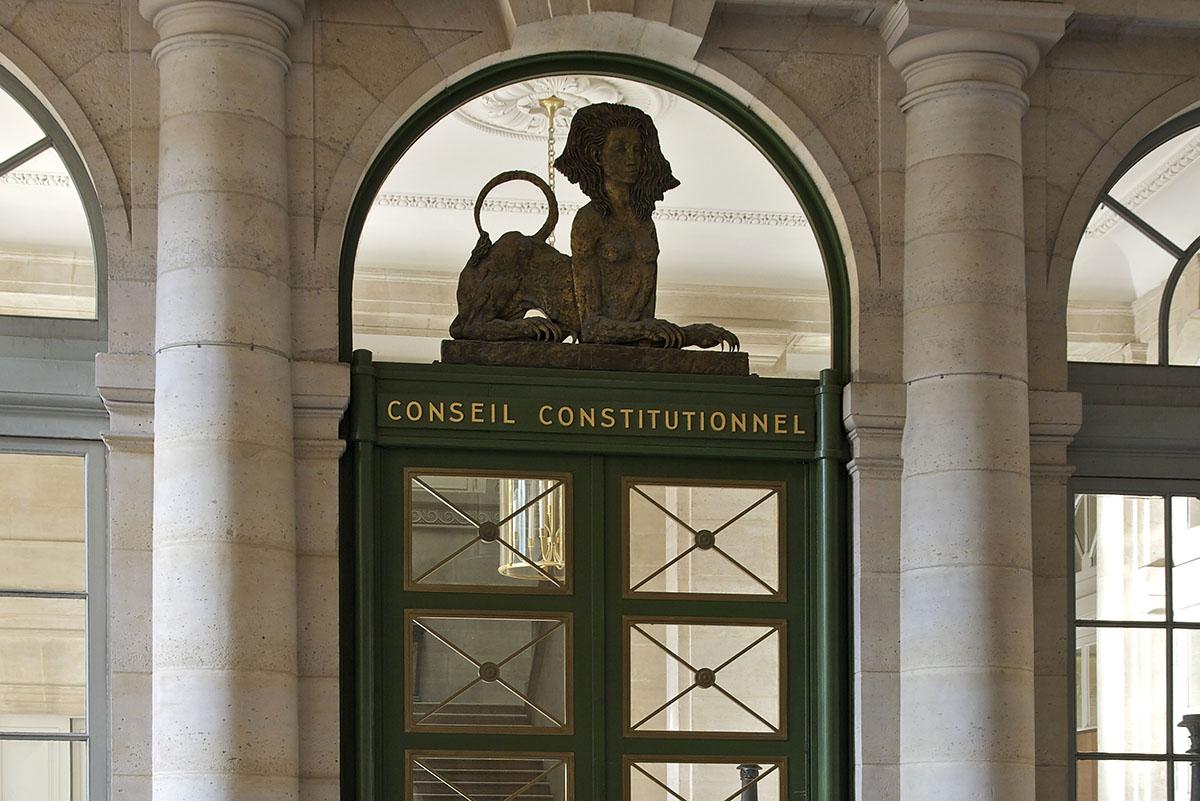 dissertation conseil constitutionnel Le conseil constitutionnel peut proroger les délais prévus aux troisième et cinquième alinéas sans que le scrutin puisse avoir lieu plus de trente-cinq jours.
