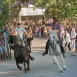 Le manadier, lors d'un lâcher de taureaux qu'il supervise, n'est ni commettant des cavaliers ni gardien de leurs chevaux